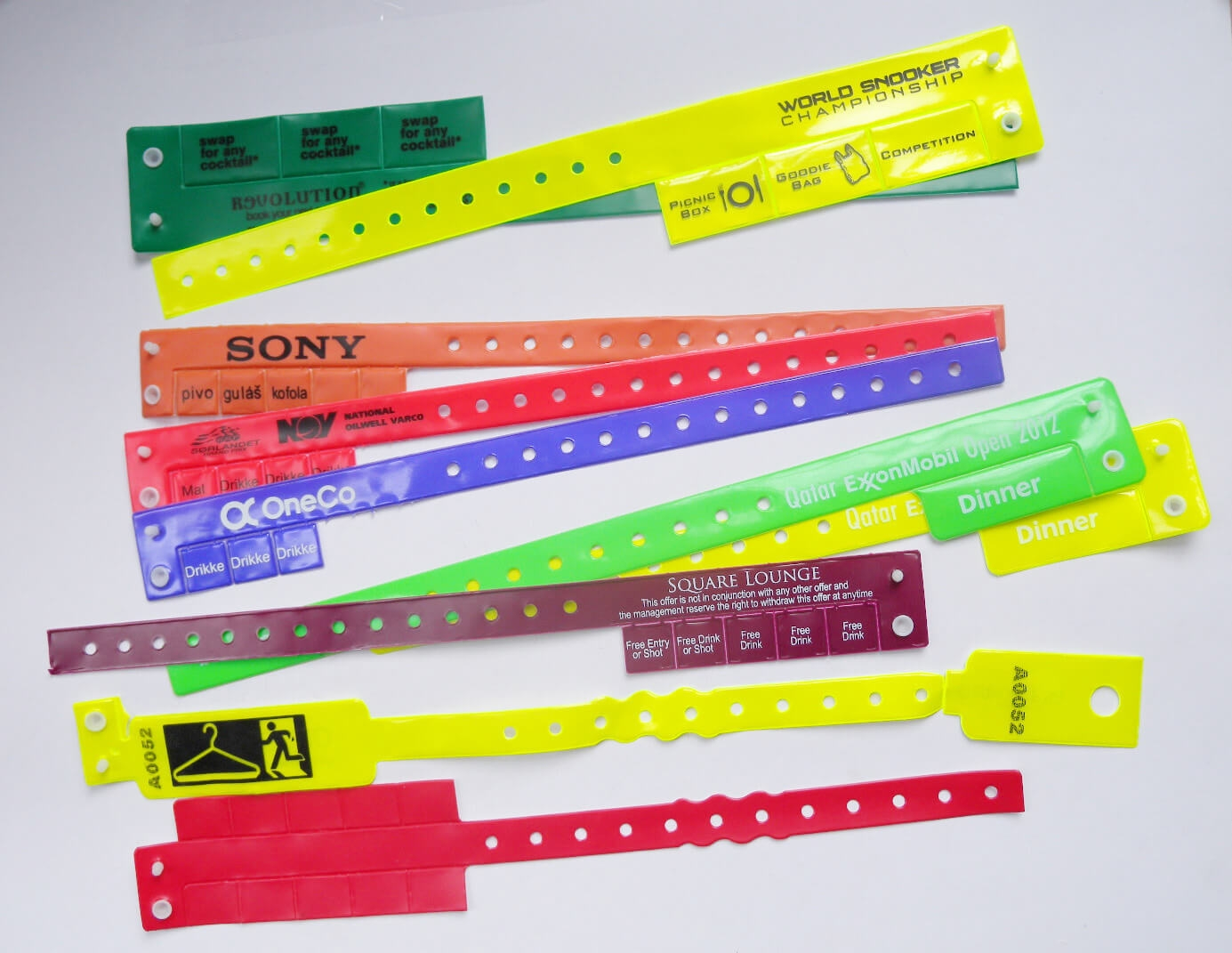Custom PVC Plastic Multi-Tab Wristband